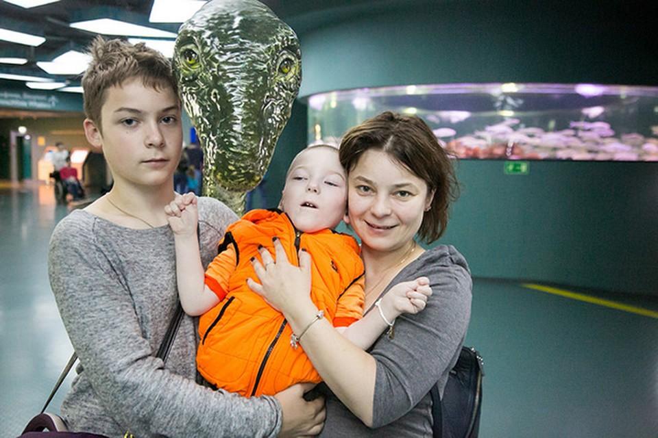 Екатерина Коннова с сыновьями