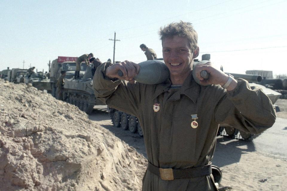 25 декабря 1979 года советские войска вошли в Афганистан. Фото: Виктор Хабаров/ZERKALO
