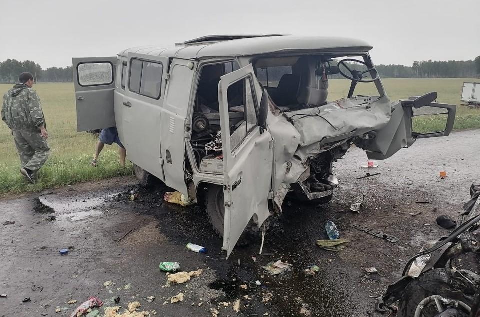 Аварии могла поспособствовать и скользкая после дождя дорога. Фото: УМВД России по Омской области