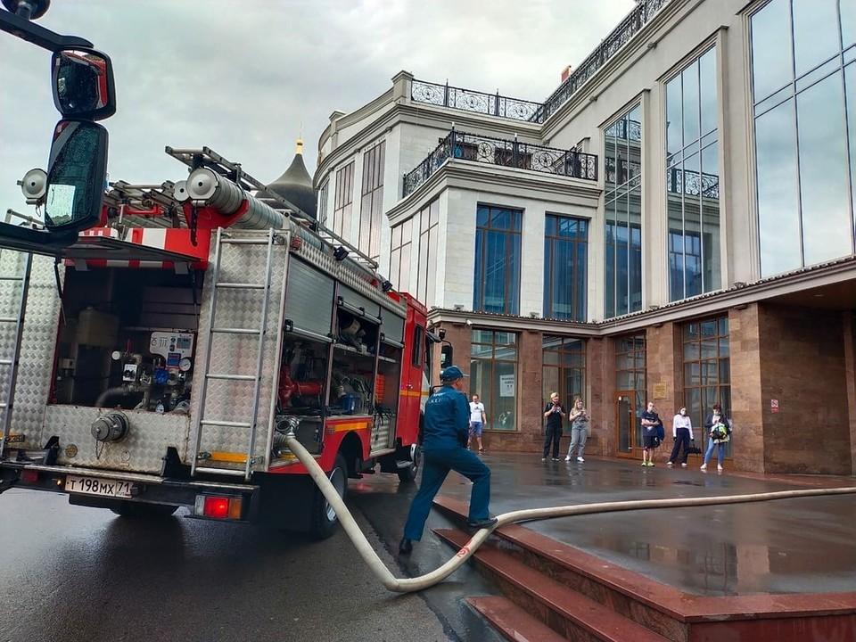 Прокуратура организовала проверку по поводу пожара в тульском «Гостином дворе»