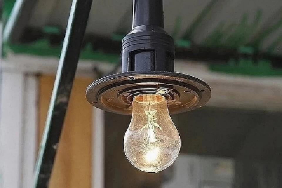 Более 700 домов остались без света в Новосибирске.