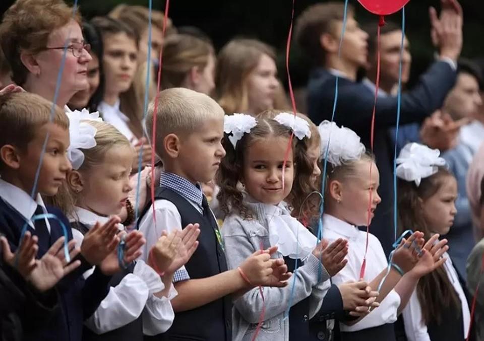 Вакцинация детей, отмена второго иностранного и пятидневка: Стало известно, какие изменения ожидают нижегородских школьников.