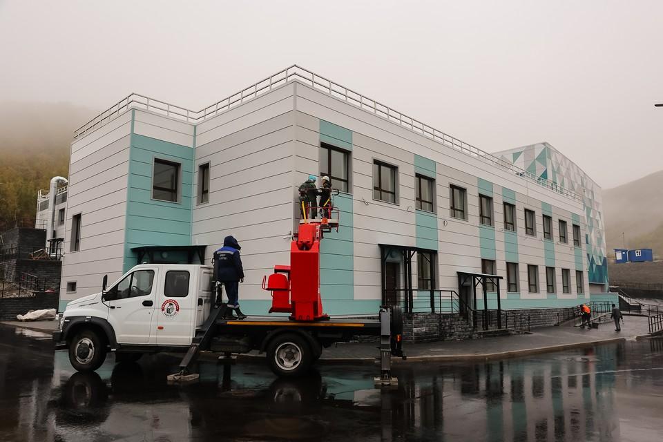 В Кировске открыли спортивную школу олимпийского резерва по горнолыжному спорту. Фото: правительство Мурманской области
