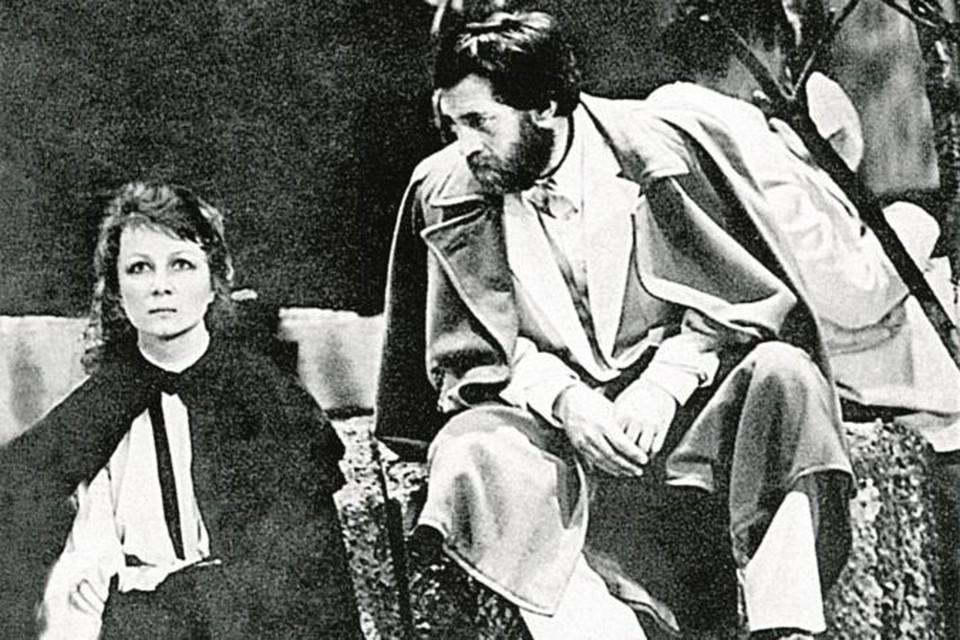 В спектакле «Вишневый сад» у Высоцкого (Лопахин) и Демидовой (Раневская) не было дублеров. После смерти Высоцкого этот спектакль так и ушел из репертуара.